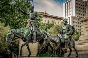 ドン・キホーテとサンチョ・パンサの像